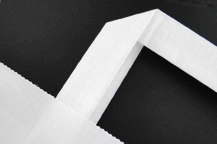 Einfacher Papierrand mit Flachhenkel
