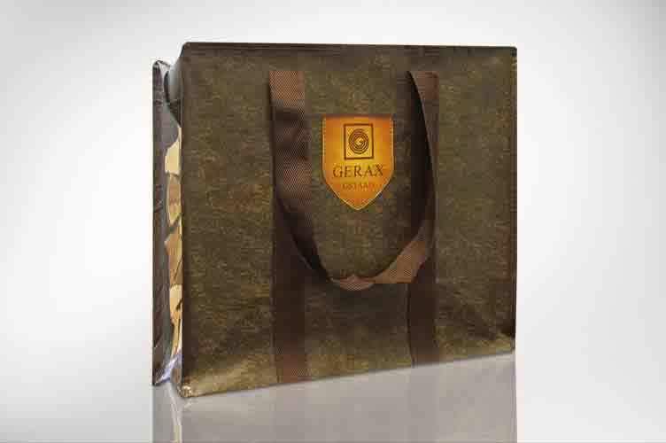 Farbig paspelierte Tasche in PPWoven